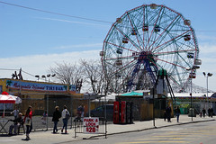 Coney Island, Brooklyn (SomePhotosTakenByMe) Tags: riesenrad ferriswheel urlaub vacation holiday usa america amerika unitedstates newyork nyc newyorkcity newyorkstate stadt city coneyisland brooklyn outdoor amusementride fahrgeschäft lunapark amusementpark freizeitpark