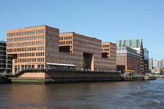"""Hamburg: Bürogebäude """"Holzhafen Ost"""" und Wohn- und Geschäftshaus """"Stadtlagerhaus"""" (Helgoland01) Tags: hamburg elbe river fluss deutschland germany"""