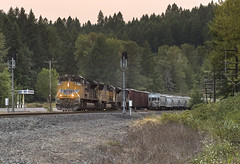 Southbound manifest at Hampton (Tom Trent) Tags: lowell oregon unitedstates us sd70ace sd70m dpu unionpacific lanecounty up hampton manifest freight siding signal hopper switch gasstation highway58