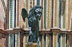 S. Marco (Leone alato) (Ciceruacchio) Tags: sanmarco saintmark saintmarc leonealato wingedlion lionailé duomo sculpture scultura cathedral cathédrale orvieto italia italy italie italien nikon