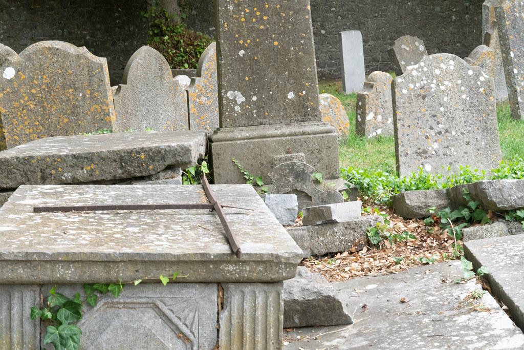 OLD CHURCHYARD KNOWN AS ST. JOHN'S [DUBLIN ROAD KILKENNY]-142911