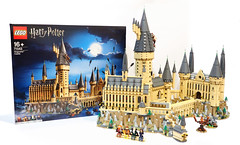 LEGO-Hogwarts-Castle-71043-Review-small