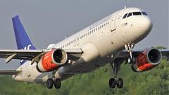 OY-KAR (AnDyMHoLdEn) Tags: sas scandinavian a320 staralliance egcc airport manchester manchesterairport 23l