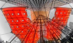 Toutes voiles dehors (L'Abominable Homme de Rires) Tags: ladéfense voiles red architecture grandearche arche paris iledefrance canon5d 5dmkiii canon 815mmfisheyef4 fisheye dxo photolab lightroom