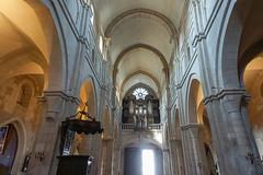 Basilique Notre-Dame de Beaune, Beaune, Bourgogne, France (antonskrobotov) Tags: beaune bourgogne france church catolicchurch gothic romanesque