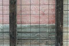 Bauzaun (ARTUS8) Tags: minimalismus color farbe nikon28300mmf3556 abstrakt flickr detail nikond800 linien textur struktur colour