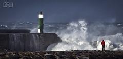 Capeando el temporal 1 Weathering the storm 1 (Jose Antonio. 62) Tags: spain españa cantabria sanvicentedelabarquera olas waves lighthouse faro storm tormenta gale galerna temporal