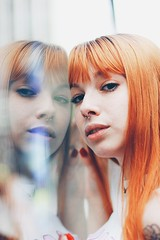 (Memórias Fotográficas) Tags: mirror reflection glass glasses girl woman model hair redhead alternative paulista avenue tumblr inspiration lights lighters vscocam vsco cam lightroom 50mm matte urban city street portrait