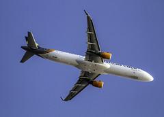 A 321-211 Thomas cook airlines ( sobrevolando el aeropuerto de Ibiza ) (ibzsierra) Tags: avion plane aviacion aviation airbis a321211 gtcdf thomascookairlines a321 ibiza eivisa baleares canon 7s tamron g2 150600