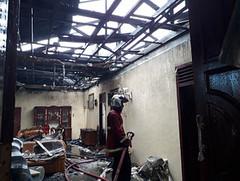 Pohon Tumbang Timpa Kabel Listrik Sebabkan Satu Unit Rumah di Pariaman Terbakar (covesiacom) Tags: berita foto covesia