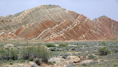 DSC05912 (Dirk Rosseel) Tags: couloured mountains painted desert iran persia iranian persian
