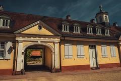 Wilhelmsbad... (hobbit68) Tags: fujifilm xt2 gebäude sky himmel sun sunshine windows fenster tor durchgang rooftops dächer
