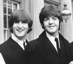 Paul McCartney, John Lennon's sons are their dads' identical twins in eerie selfie (psbsve) Tags: portrait summer park people outdoor travel panorama sunrise art city town monument landscape mountains sunlight wildlife pets sunset field natural happy curious entertainment party festival dance woman pretty sport popular kid children baby female cute little girl adorable lovely beautiful nice innocent cool dress fashion playing model smiling fun funny family lifestyle posing few years niña mujer hermosa vestido modelo princesa foto curiosidades guanare venezuela parque amanecer monumento paisaje fiesta