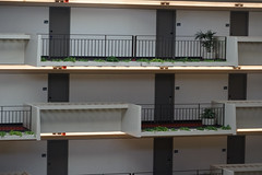 2018-08-FL-194466 (acme london) Tags: atlanta atrium balcony balustrade concrete corridor downtown foyer georgia hotel hyatt hyattregency johnportman planting railing
