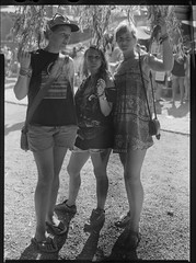 _MG_3126-Modifier (ithier.held) Tags: ilford hp5 linhof technika 9x12 large format festival portrait esperenzah