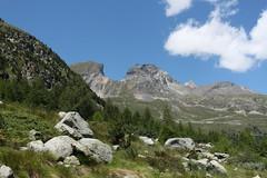 Arolla (bulbocode909) Tags: valais suisse arolla valdhérens montagnes nature paysages rochers nuages arbres forêts vert bleu groupenuagesetciel