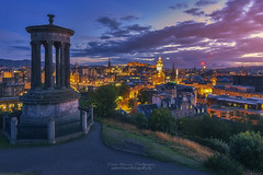 Edinburgh Lights (Pablo Mauriz Photography) Tags: caltonhill castillo edificio edificiosresidenciales edimburgo escocia europa largaexposicion noche nocturna puestadesol reinounido gb sunset lights edinburgh scothland