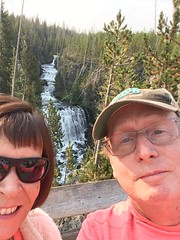 20180816-090912-2 (alnbbates) Tags: august2018 yellowstonetrip ellen alan yellowstonepark kepplerscascades waterfall selfie
