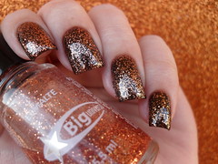 Risqué - Bombom + Big Universo - Cobre (Barbara Nichols (Babi)) Tags: risqué bombom biguniverso bu cobre glitter marrom esmaltemarrom brown brownnailpolish brownnails