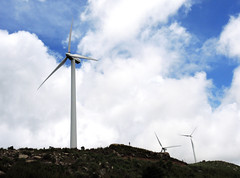 Wind power (MelindaChan ^..^) Tags: water blue sky cloud weatehr fine wind power windmill windturbine china 廣海 taishan 台山 rural village bay chanmelmel mel melinda melindachan life countryside