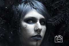 Blue Mistery Girl (DJR-FOTO) Tags: beautiful beautifulwoman blau blue portrait mistery photoshop affinityphoto eyes natural natura natur face gesicht piercing tattoo punk emo outdoor noflash makeup color porträt