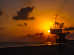 P7120140-editar (jsanchezq65) Tags: sunset sunsets sun sundown beach playascadiz playas coastline clouds
