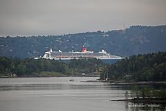 Queen (Leifskandsen) Tags: ship boat travel oslofjorden oslo queen mary passengers voyage tourist fjord camera canon living leifskandsen skandsenimages scandinavia skandsen norway nature