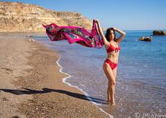 pañuelo al viento (josmanmelilla) Tags: retratos modelos playas playa melilla españa verano biquini azul mar agua pwmelilla flickphotowalk pwdmelilla pwdemelilla