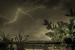 Un día de furia (*Nenuco) Tags: nenuco storm tormenta thunderbolt rayo 18105 nikkor nikon d5300 rollingstoniano