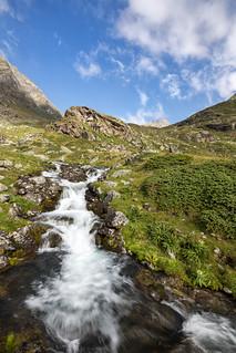 Wasserfallkaskaden des Riffelbachs im Kaunertal-2183