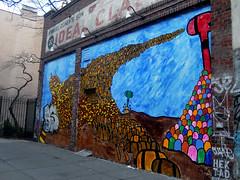 Street Art in East Village, NYC (Clara Ungaretti) Tags: graphic graphicdesign design graffiti art arte artist artista architecture wall colorful colors color colorido colored inspiration eastvillage manhattan nyc newyork newyorkcity novayork northamerica america us usa estadosunidos estadosunidosdaamérica unitedstatesofamerica unitedstates urban urbanart street streetlife streetphotography