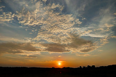 Sunset (Claude@Munich) Tags: germany bavaria upperbavaria sky clouds altocumulus stratiformis perlucidus undulatus sun sunset evening claudemunich bayern oberbayern grosdingharting himmel wolken schäfchenwolken sonnenuntergang abends explore explore259180825
