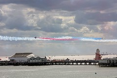 Crossing at Clacton (Chris Baines) Tags: red arrows hawks crossing move clacton airshow
