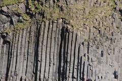 bazaltowe kolumny na Islandii (Black Sand Beach)