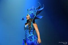 Euphoria_5760 (jeanfrancoislaforge) Tags: ellie reflection euphoria costume stage nikon d850 singer performer blue bleu chapeau