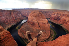 Finally here !! :-) (alestaleiro) Tags: horseshoebend arizona coloradoriver page usa desert desierto selfie nature paisaje natura natureza roadtrip alestaleiro feet pies shoes
