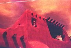Santa Fe, NM (cestlameremichel) Tags: new mexico redscale red film 35mm analog analogue analogica nouveau mexique santa fe pueblo native america usa roadtrip 666 agfa vista plus 200 filmisnotdead