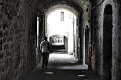 Castellina in Chianti (Stef VL) Tags: italia tuscany italië italy toscane toscana travel nikon nikond3100 bw blackandwhite blackandwhitephoto blackandwhitephotography chianti fotografie fotografia hobbyfotograaf castellina castellinainchianti
