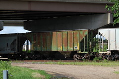MKT 550 (CC 8039) Tags: mkt up trains covered hopper janesville wisconsin