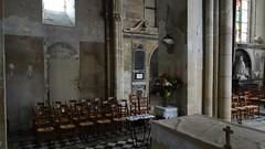 ca. 1414 - 'Gilles d'Oignier (+1414) and Jeanne de Duvy', Église Sainte-Maure-et-Sainte-Brigide, Nogent-sur-Oise, dép. Oise, France (RO EL (Roel Renmans)) Tags: gotique gotisch gothic crop hair bowl 1414 gilles de oignier jeanne jehanne duvy church église sainte maure brigide kirche saint kerk iglesia oise nogentsuroise nogent france picardie picardy monument incised slab grabmal grafsteen grafplaat dalle funéraire tomb stone knight armour armor armure armadura caballero plate surcoat surcotte escallops scalloped standard mail collar poleyn couter sabaton marble inlaid misericorde dagger hound dog laced sword hilt