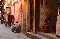 Marocco- Marrakech (venturidonatella) Tags: africa marocco morocco marrakech street strada streetscene streetlife colori colors nikon nikond500 d500 persone people gentes emozioni ombra luce shadow light