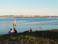 2018-08-16_08-43-40 (superpagliaccio) Tags: incontri laguna venezia biciclette barena blu