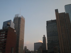 2018 August Crescent Moon and Evening Clouds 7796 (Brechtbug) Tags: 2018 august crescent moon evening clouds no virtual clock tower from hells kitchen clinton near times square broadway nyc 08162018 new york city midtown manhattan summer summertime weather building pink low hanging cloud hell s nemo southern view ny1rain