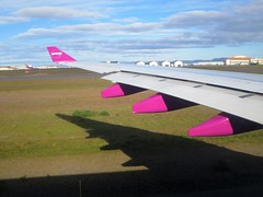 WOW A330-343X TF-GAY (kenjet) Tags: wow wowair wing purple shadow airbus a333 a330 a330300 a330343x tfgay plane jet flugzeug aviation airline airliner bikf kef keflavik keflavikinternationalairport iceland airport