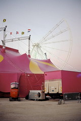 la nuit rosit (asketoner) Tags: truck pink wonderwheel wheel game amusement park construction opening sky marseille france back backstage circus