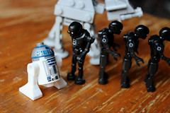IMG_7971 (kosinus190) Tags: lego starwars k2so atat r2d2 mini figure