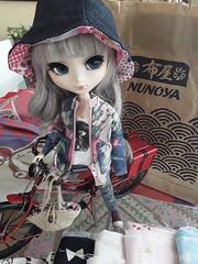 Nunoya - telas y retales (Lunalila1) Tags: doll groove pullip victorique handmade costura telas fabric japanese alijo nunoya barcelona alicia alice wonderland