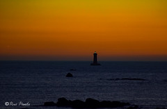 Phare du Four pris de Porspoder (pamélaroué) Tags: phare porspoder mer coucher de soleil horizon