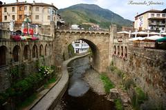 Puente Nuevo de Potes (Cantabria) (alanchanflor) Tags: exterior canon color potes asturias españa río cielo pueblo montañas textura veran o
