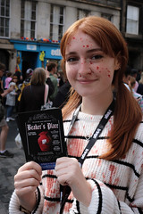 Sell 160 Beakers Place (Terry Moran aka Tezzer57) Tags: edinburghfringe scotland edinburgh promotion street people promote theroyalmile summer2018 uk girl